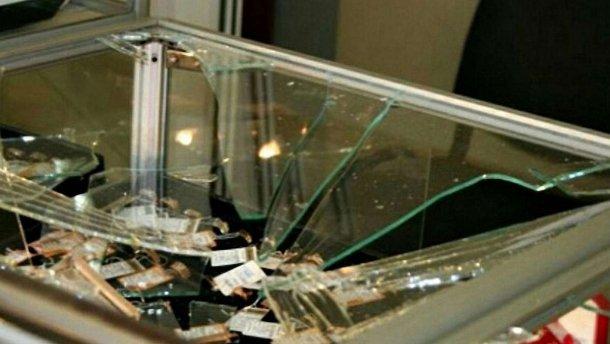 Появилось видео, как грабили ювелирный магазин в Кривом Роге: действо шокирует